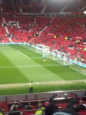 The American goalkeeper Brad Guzan (Aston Villa) warming up